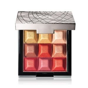 mark. Glow highlight and blush cubes